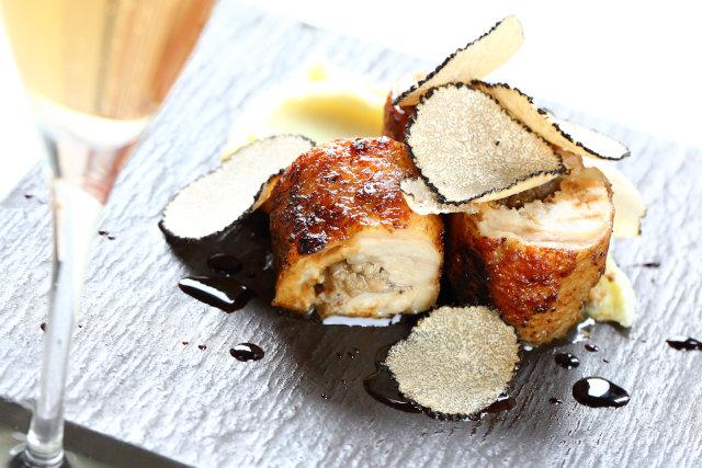 サマートリュフと鶏モモ肉のガランティーヌ 1,200円